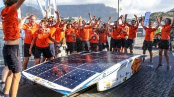 Nederlandse zonneauto Nuna wint de SASOL Solar Challenge 2016 te Zuid Afrika