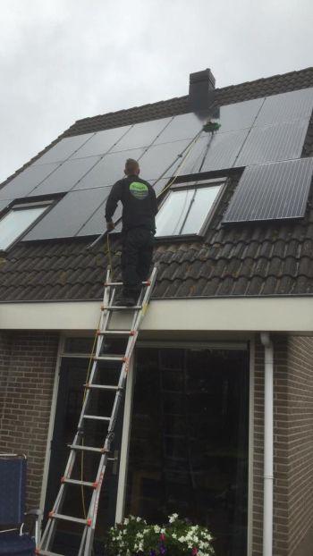 Onderhoud en wassen van zonnepanelen